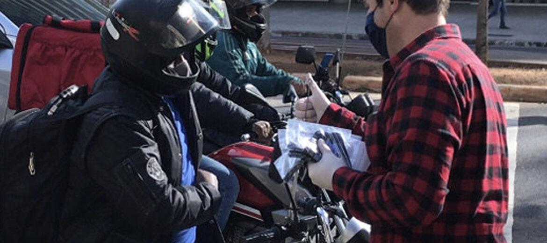 Campanha incentiva doação de máscaras e luvas para entregadores